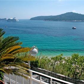 2 Bedroom Sea View Apartment in Dubrovnik, Sleeps 4