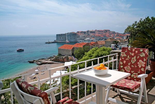 2 Bedroom Sea View Apartment in Dubrovnik, Sleeps 4