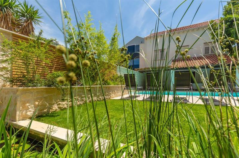 5 Bedroom Villa with Heated Pool in Dubrovnik, Sleeps 10