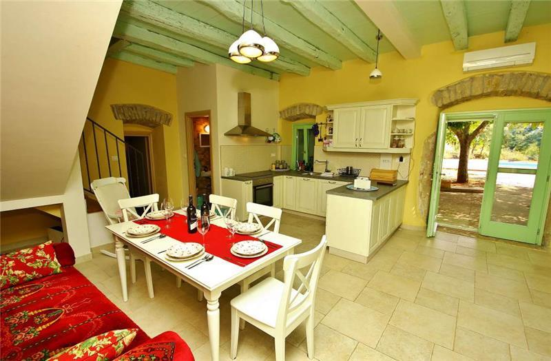 4 Bedroom Villa with Pool near Vizinada, sleeps 8