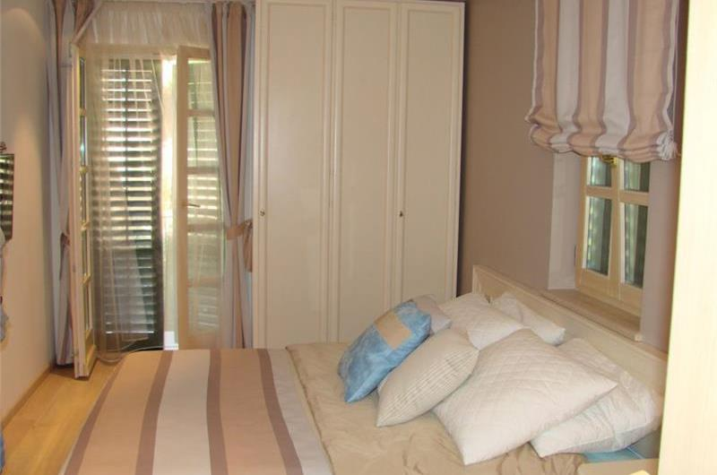 Luxury 5 Bedroom Seaside Villa with Infinity Pool in Sveta Nedilja, Hvar Island, sleeps 10