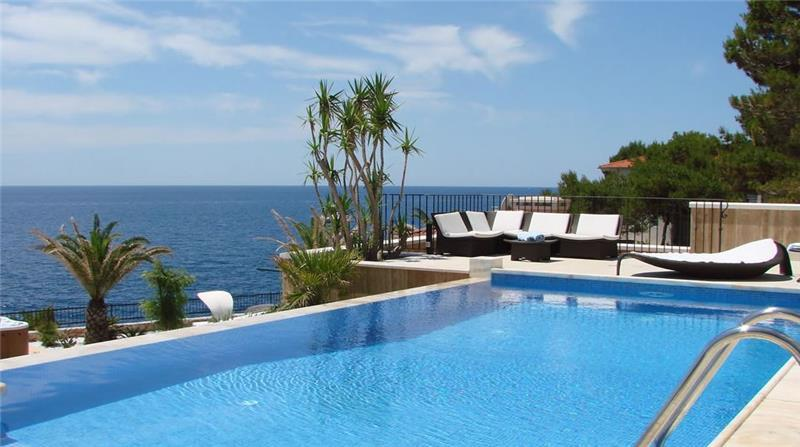 Luxury 5 Bedroom Seaside Villa with Infinity Pool in Sveta Nedilja, Hvar Island, sleeps 10