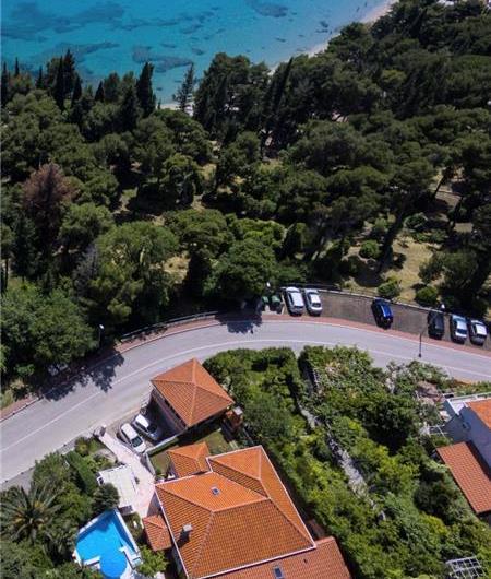 4 bedroom Villa with Pool in Mlini near Dubrovnik, sleeps 6-8