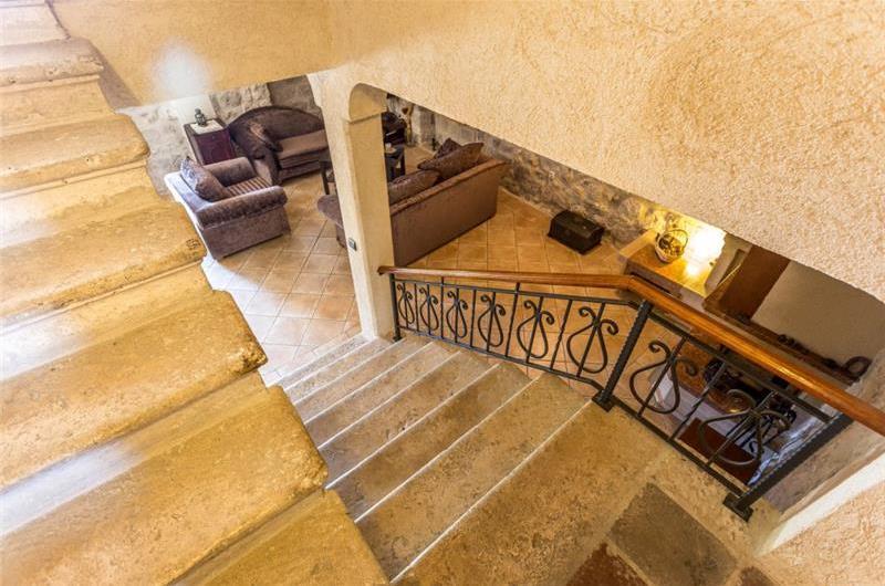 4 Bedroom Beachfront Villa with Annexe Apartments in Perast, sleeps 10-14
