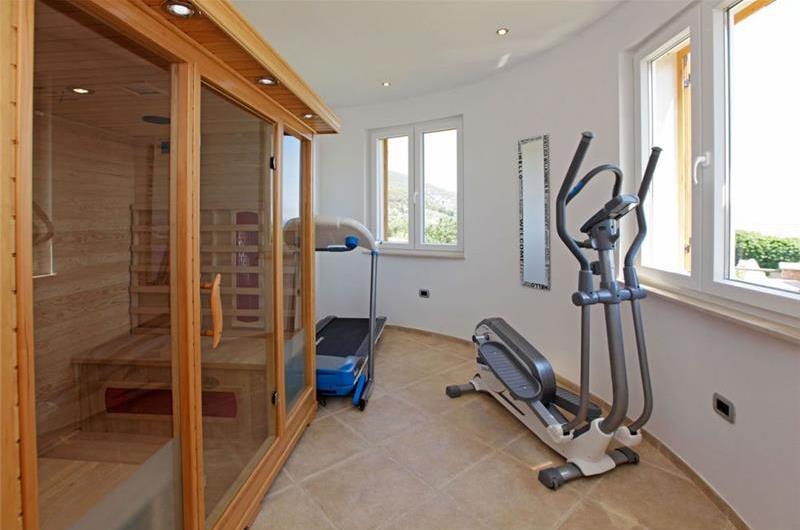 4 Bedroom Villa with Pool in Bol, sleeps 8