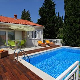 3 Bedroom Villa with Pool in Bol, sleeps 6-8