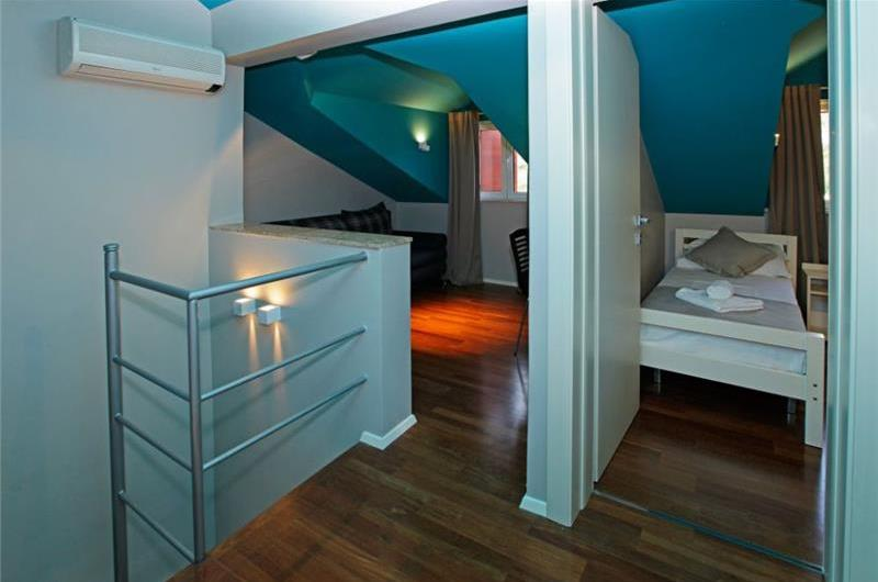 3 Bedroom Villa with Shared Pool in Bol, sleeps 6-8