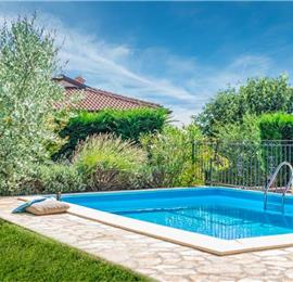 3 Bedroom Villa with Pool in Sveti Lovrec, sleeps 6-7