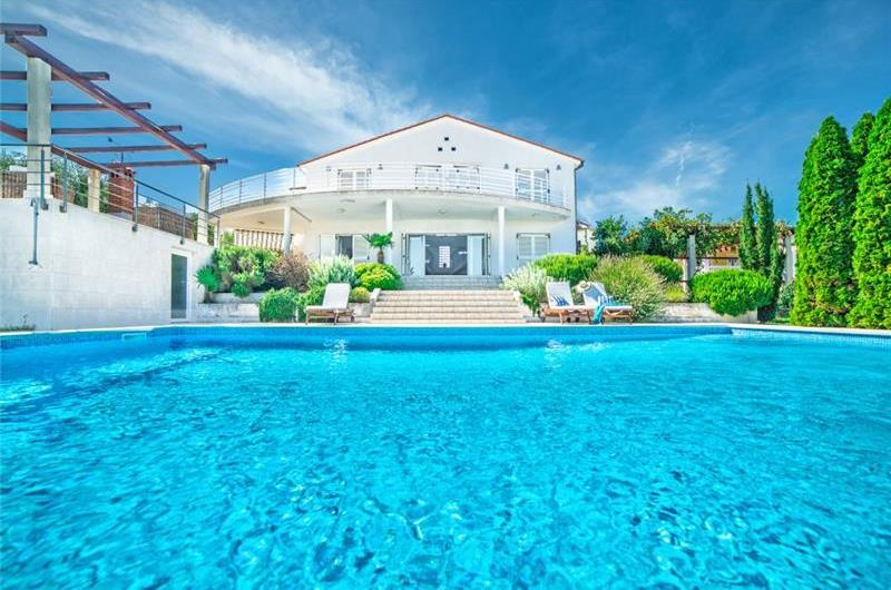 5 Bedroom Villa with Pool in seaside Liznjan nr Pula, sleeps 9