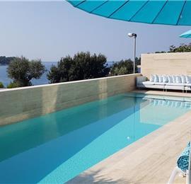 11 Bedroom Villa with Outdoor Pool and Indoor Penthouse Pool near Pula, sleeps 22-26