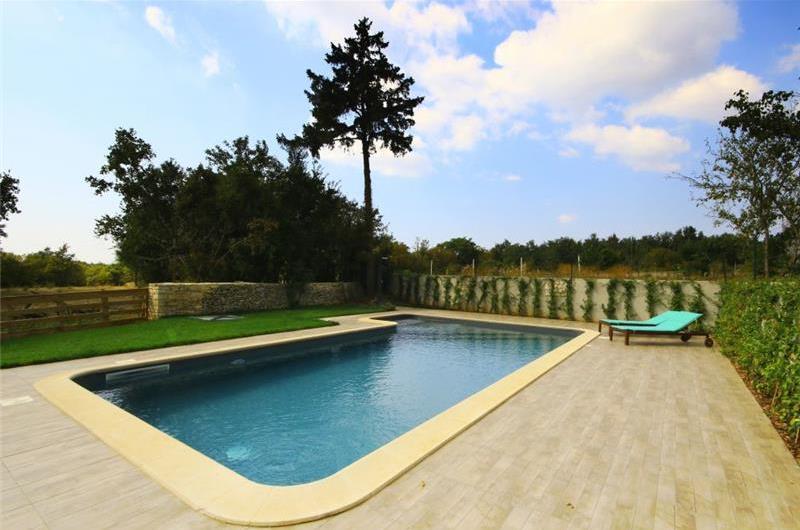 3 Bedroom Villa with Pool in Svetvincenat, sleeps 6-7