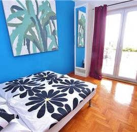 3 Bedroom Apartment with Shared Pool, walk to Hvar Town, sleeps 6-8
