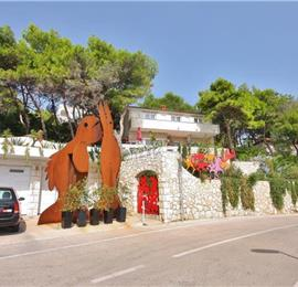 3 Bedroom Apartment with Shared Pool, walk to Hvar Town, sleeps 6-7