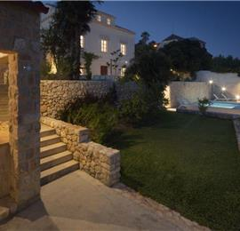 7 Bedroom Villa with Pool near Dubrovnik Old Town, sleeps 14-16