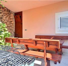 4 Bedroom Villa with Pool and Sea Views in Mimice near Omis, sleeps 8