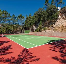 4 Bedroom Villa with Pool and Tennis Courts near Loule, sleeps 8