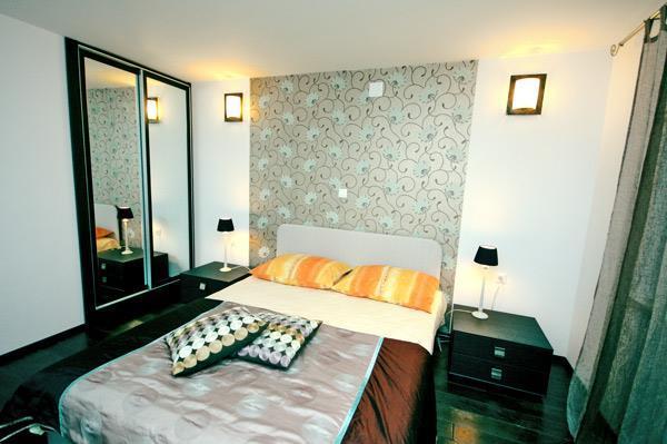 2 Bedroom Apartment with Shared Pool nr Dubrovnik, Sleeps 4