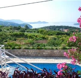 2 Bedroom Apartment with Shared Pool nr Dubrovnik, Sleeps 4