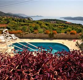 3 Bedroom Villa with Shared Pool near Dubrovnik, Sleeps 6
