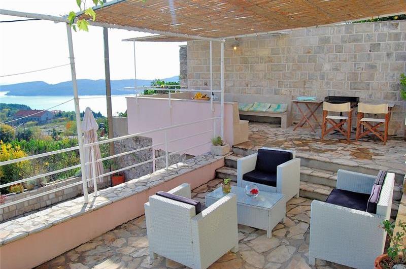3 Bedroom Villa with Shared Pool near Dubrovnik, sleeps 6