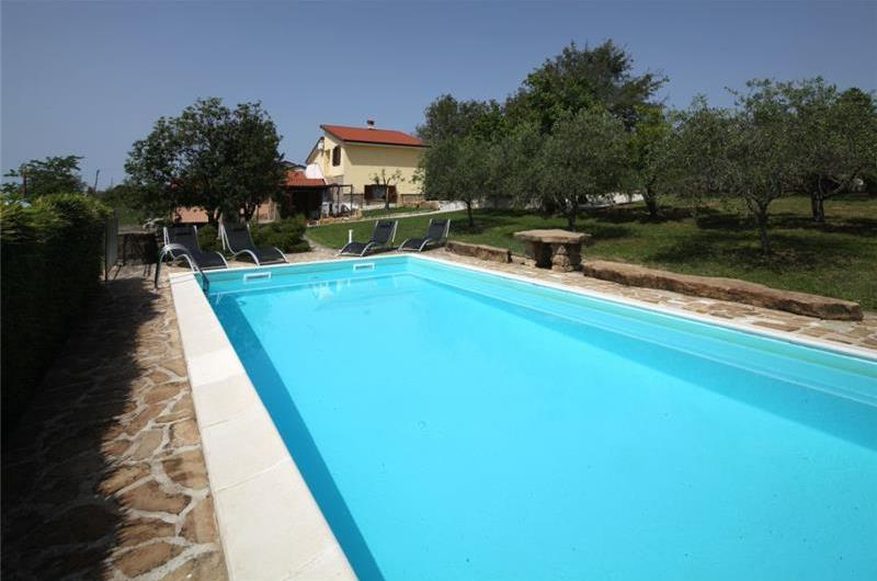 4 Bedroom Villa with Pool near Groznjan, sleeps 8