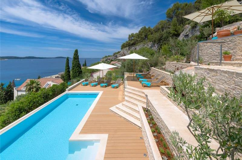 7 Bedroom Villa with Heated Infinity Pool and Sea Views near Hvar Town, sleeps 14