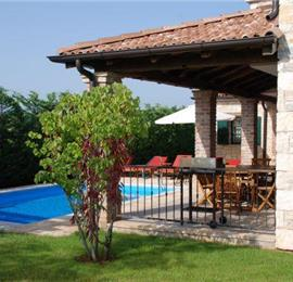 4 bedroom Villa with Pool in Barat, Sleeps 8