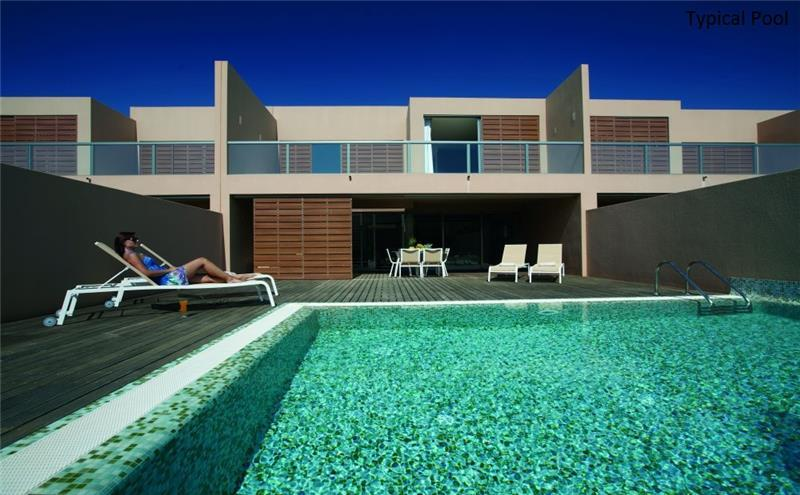 4 Bedroom Villa with Pool in Salgados, sleeps 8-9