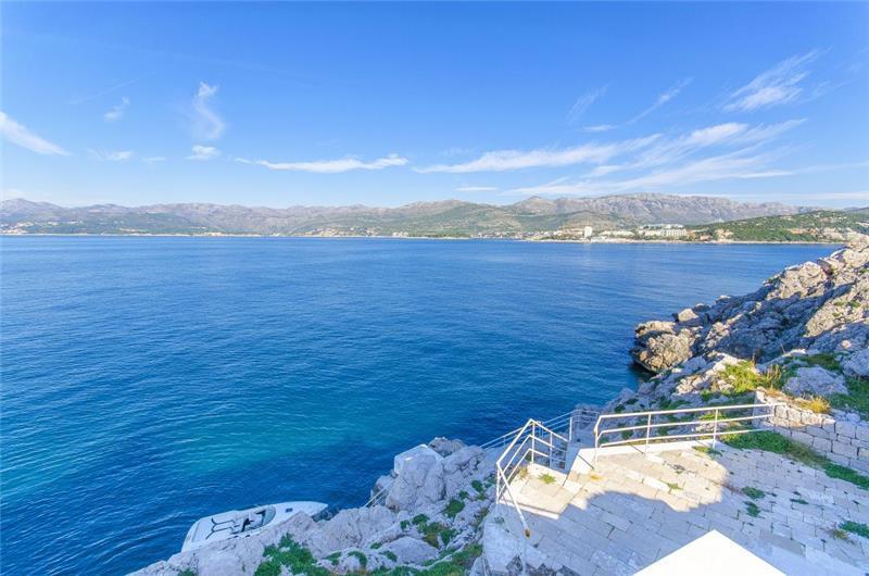 5 Bedroom Villa with Pool on its own Island near Dubrovnik City, sleeps 8-10