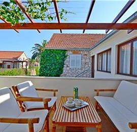 4 Bedroom Villa near Jelsa, sleeps 8-9