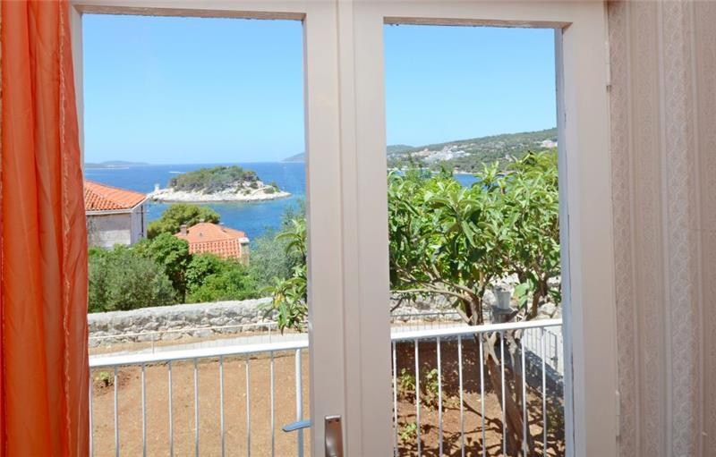3 Bedroom Seaside Villa in Hvar Town, sleeps 6-8