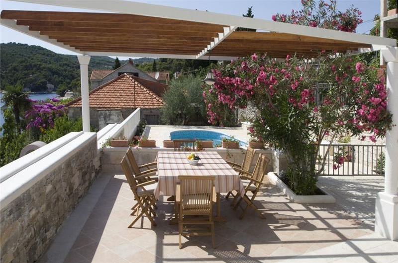 4 Bedroom Villa in Sumartin on Brac, Sleeps 8-12
