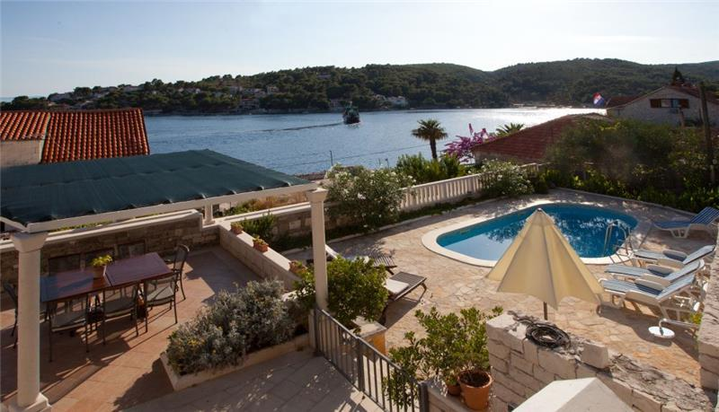 4 Bedroom Villa in Sumartin on Brac, Sleeps 8-12