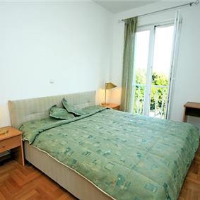 2 Bedroom Apartment in Babin Kuk near Dubrovnik, Sleeps 4-5