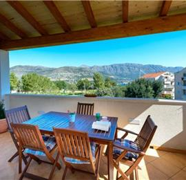 2 Bedroom Apartment in Babin Kuk near Dubrovnik, Sleeps 5