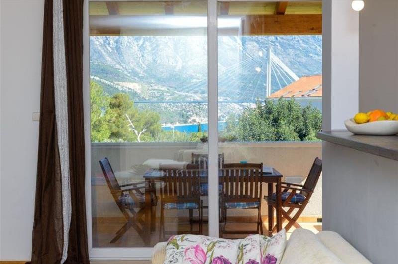 2 Bedroom Apartment in Babin Kuk near Dubrovnik, Sleeps 4-5