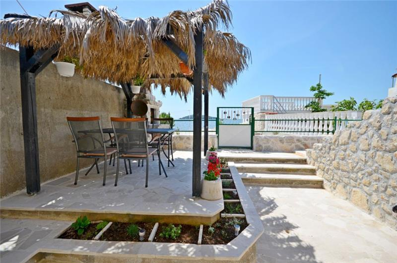 1 Bedroom Seafront Villa on Krapanj Island, sleeps 2-4