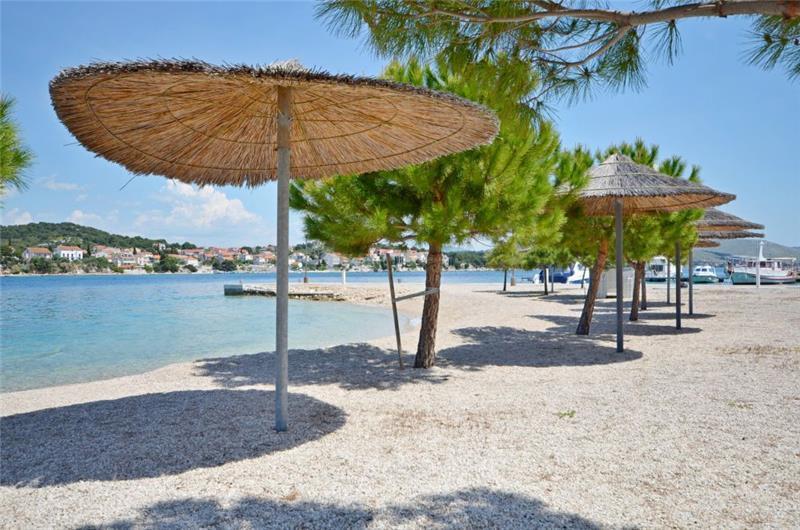 1 Bedroom Seafront Villa on Krapanj Island, sleeps 2-4