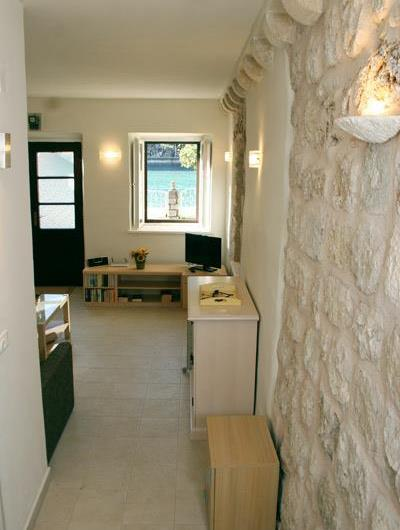 2 Bedroom Seafront House near Dubrovnik, Sleeps 4-6