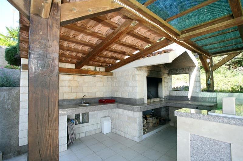4 Bedroom Seaside Villa with Pool on Ciovo, sleeps 8