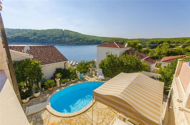 3 Bedroom Seaside Villa with Pool on Korcula, sleeps 6-8