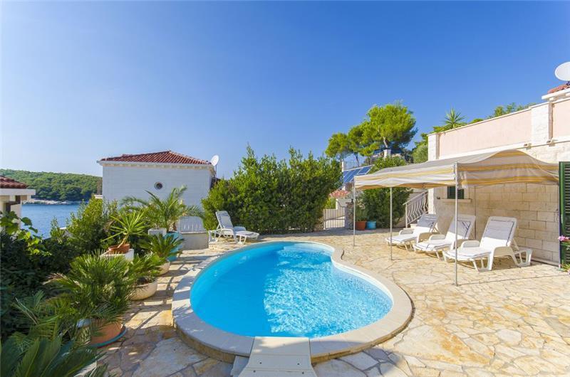3 Bedroom Seaside Villa with Pool on Korcula, sleeps 6-8