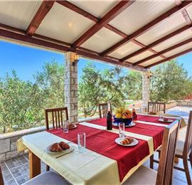 4 Bedroom Beachfront Villa with Pool on Ciovo Island, sleeps 8