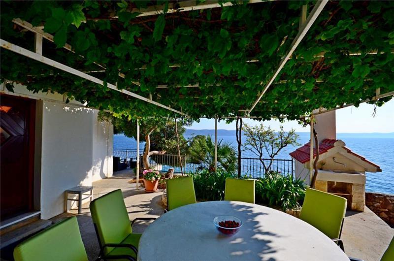 3 Bedroom Beachfront Villa near Podgora, sleeps 6-8