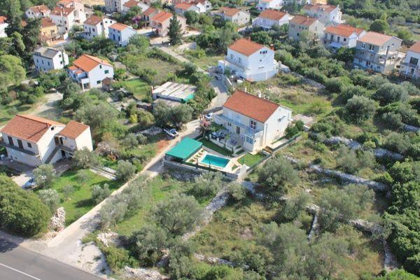 4 Bedroom Apartment with Pool near Korcula Town, sleeps 8