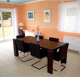 3 Bedroom Villa with Pool in Gruda, Konavle Valley, Sleeps 6-7