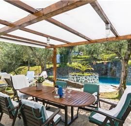 4 Bedroom Villa with Pool in Camaiore, sleeps 9-11