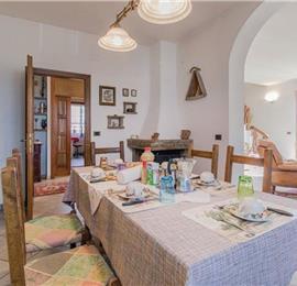 3 Bedroom Villa with Pool near Citerna, sleeps 6-7