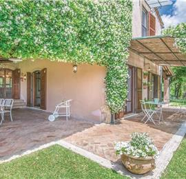 5 Bedroom Umbrian Villa with Pool and Tennis Court, sleeps 10