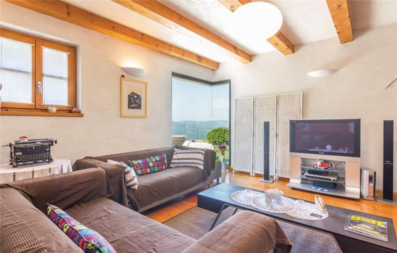 2 Bedroom Villa with Pool near Motovun, sleeps 4